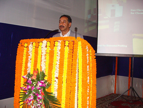 Shri Neyaz Ahmad, I.P.S, DGP (Vig.) addressing the members of print and electronic media